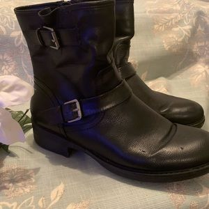 Bass Ankle Boots